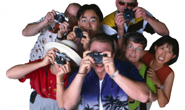 tourists-taking-photos.jpg